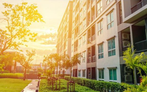 Best lights for an apartment complex outdoors